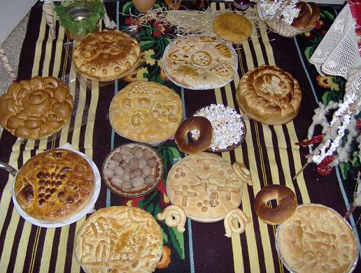 Το βουλγάρικο ψωμί των Χριστουγέννων - Ένα ιδιαίτερο τελετουργικό ψωμί που φτιάχνουν στη Βουλγαρία ειδικά για τη μέρα των Χριστουγέννων και διαθέτει κι αυτό φλουρί όπως τα δικά μας τσουρέκια