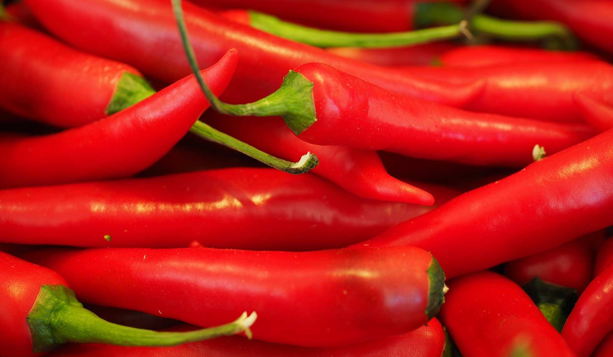 Καυτερές πιπεριές και φέτα