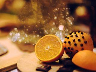 Μύρισε Χριστούγεννα με πορτοκάλια και γαρίφαλα