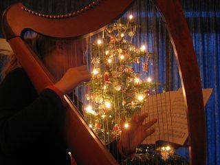 Ακούστε Χριστουγεννιάτικα τραγούδια online