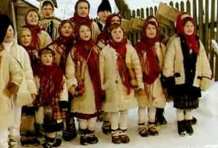 Χριστουγεννιάτικα κάλαντα από τη Ρουμανία - Με ένα πραγματικά πολύ όμορφο βίντεο με παραδοσιακά χριστουγεννιάτικα κάλαντα της Ρουμανίας με  υπέροχες και μελωδικές παιδικές φωνές.