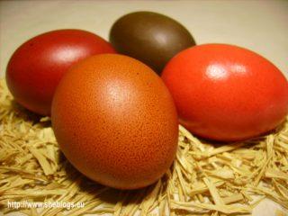 Πάσχα: Πως θα βάψετε σωστά τα αυγά