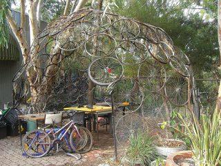 Τι μπορείτε να φτιάξετε με παλιές ρόδες ποδηλάτων