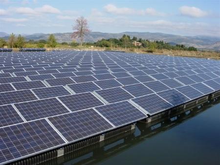 Φωτοβολταϊκά, ηλιακή ενέργεια και οπτική ρύπανση - Όλα αυτά τα πανέμορφα χρωματιστά μωσαϊκά που σχηματίζουν οι αγροί της χώρας μπορεί να μεταμορφωθούν σε άσχημα τοπία που θα προσπαθούμε να κρύψουμε