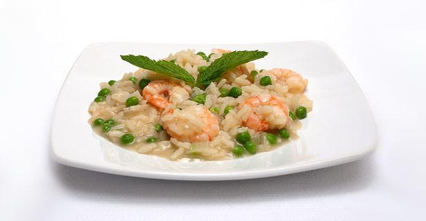 Ριζότο με γαρίδες και αρακά - Εντυπωσιάστε τους φίλους σας με αυτό το γρήγορο, νόστιμο και υγιεινό πιάτο!