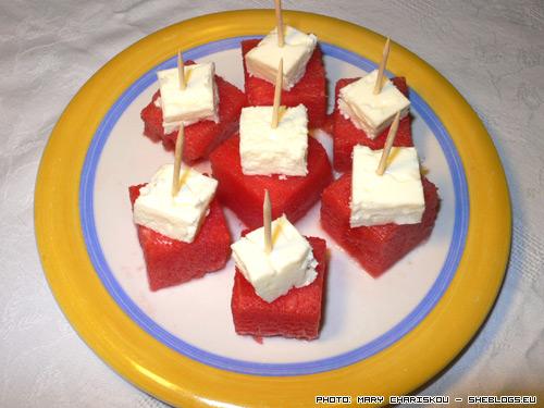 Καρπούζι με φέτα, ένας δροσερός μεζές - Κάποιες φορές τα απλά και γρήγορα μεζεδάκια είναι και τα νοστιμότερα!