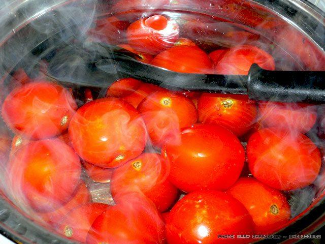 Σάλτσα ντομάτας σε βάζα