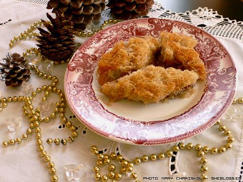 Κανταίφι για τα Χριστούγεννα - Από τα γλυκά που φτιάχνουμε παραδοσιακά στις γιορτές εκτός από τα μελομακάρονα είναι και το κανταΐφι που γίνεται πιο εύκολα από ότι φαντάζεστε.