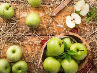 Σαλάτα με μήλο