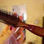 Βούρτσες και χτένες για όμορφα μαλλιά