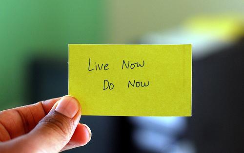 Κοινωνική Δικτύωση ή αφαίμαξη χρόνου; - Βάλτε τα δικά σας όρια,  στη χρήση σελίδων κοινωνικής δικτύωσης. Σήμερα κιόλας... η μέρα άλλωστε συνεχίζει να έχει μόνο 24 ώρες!