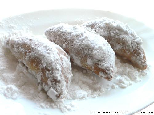 Σκαλτσούνια νηστίσιμα - Νηστίσιμα σκαλτσούνια με μέλι μαρμελάδα και ξηρούς καρπούς για να μη μένετε χωρίς γλυκάκια στη νηστεία της Σαρακοστής