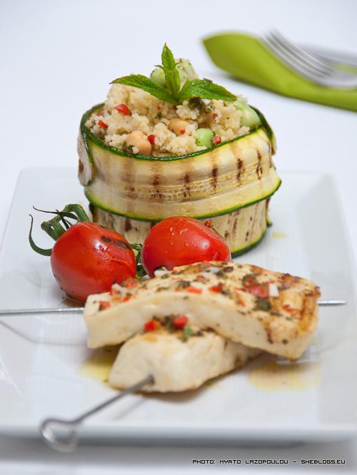 Kους-κους λαχανικών με  χαλούμι σουβλάκι - Καλοκαιρινή και εύκολη συνταγή. Ιδανική για χορτοφάγους!