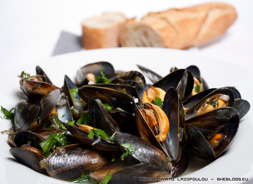 Mussels with wine and parsley