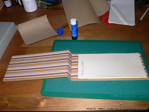 Μαθήματα βιβλιοδεσίας: Φτιάξτε σημειωματάρια (μέρος 3) - Το τρίτο και τελευταιο μέρος του βοηθήματος βιβλιοδεσίας σημειωματαρίου. Φωτογραφίες βήμα – βήμα για να τα καταφέρετε εύκολα