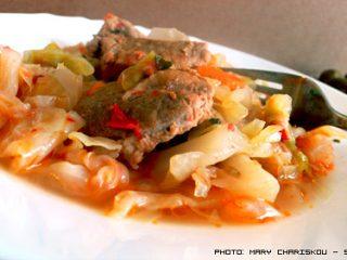 Λάχανο με χοιρινό κρέας στην κατσαρόλα