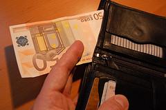 Τα χόμπυ σε εποχή οικονομικής κρίσης - Μέσα στα μικρά και όχι τόσο αθώα μυστικά μας είναι σίγουρα τα χρήματα που ξοδεύουμε στα χόμπυ μας κάθε χρόνο. Συνήθως τα ποσά αυτά κι αναλόγως στο χόμπυ... δεν είναι αμελητέα.