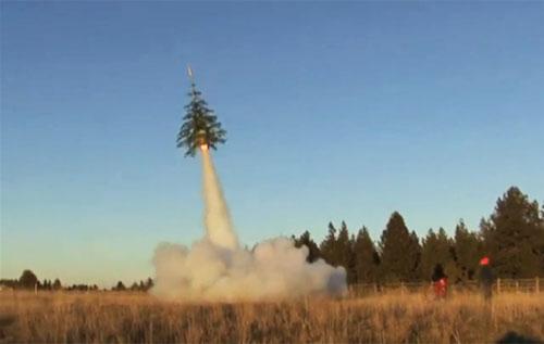 Η... απογείωση του χριστουγεννιάτικου δέντρου - Είναι το χριστουγεννιάτικο δέντρο ρουκέτα! Είναι σούπερ δημιουργικό πείραμα που αξίζει να δείτε αλλά καλό είναι να μη το δοκιμάσετε