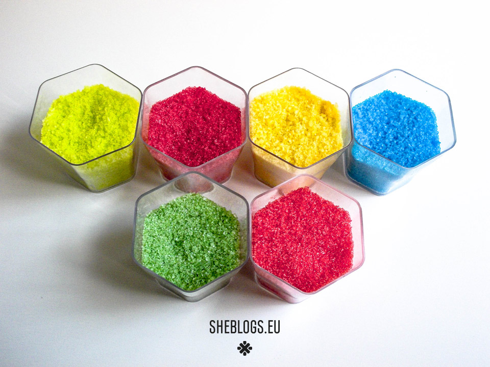 Φτιάχνουμε χρωματιστή ζάχαρη