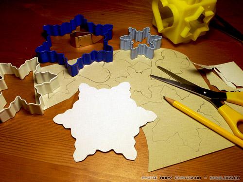 Φτιάξτε χριστουγεννιάτικα πατρόν από τα κουπ πατ της ζαχαροπλαστικής - Εκμεταλλευτείτε τα σχέδια των κουπ πατ για να φτιάξετε ένα σωρό χριστουγεννιάτικες κατασκευές και ζωγραφιές