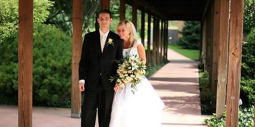 Εταιρία security για τη μέρα του γάμου σου - Έχεις σκεφτεί να προσλάβεις εταιρία security για να προστατεύει τα δώρα αλλά και τα χρήματα που έχουν μείνει σπίτι τη μέρα του γάμου σου;