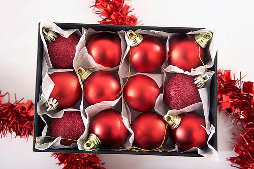 xristoygenniatika stolidia Ποτε θα στολίσετε το χριστουγεννιάτικο δέντρο σας;