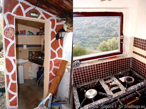Το σπίτι του Γρηγόρη στο χωριό με στόχο την αυτάρκεια - Πάμε να δούμε το σπίτι που ξεκίνησε να φτιάχνει μόνος του ο Γρηγόρης στο χωριό του για να αντιμετωπίσει την κρίση με τον όμορφο λαχανόκηπο του