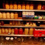 Γλύτωσε χρήματα με τη δημιουργία αποθήκης τροφίμων