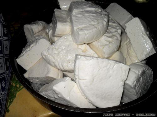 feta tyrogalo Αποθήκευση σπιτικής φέτας σε τυρόγαλα