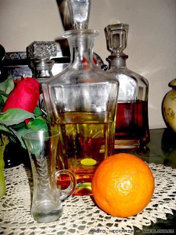 Φτιάξε Λικέρ Πορτοκάλι - Σπιτικά μυρωδάτα λικέρ που αγαπήθηκαν από πολλές γενιές στο παρελθόν. Ας τα αγαπήσουμε κι εμείς για να μη χαθούν οι συνταγές τους