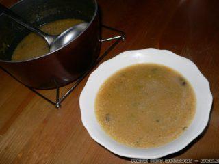 Φτηνά βραδινά: σούπα με ζωμό βοδινού και τραχανά