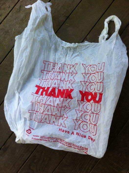 Σακούλες και αποθήκευση πραγμάτων - Μια μικρή συμβουλή που μπορεί να σε σώσει από στιγμές ξαφνικού φρικαρίσματος στο σπίτι. Γιατί εμείς πάθαμε και μάθαμε.