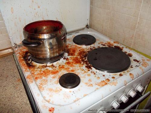 Ο μόνος λόγος για να μη κάνεις σάλτσες ντομάτας σε βάζα - Τα μικρά ένοχα μυστικά πίσω από την σπιτική κονσερβοποίηση ντομάτας που επιμελώς αποκρύπτουμε από τους πρωτάρηδες για να μη φρικάρουν