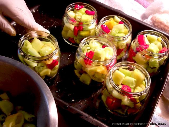 Καυτερές Πιπεριές σε Βάζο