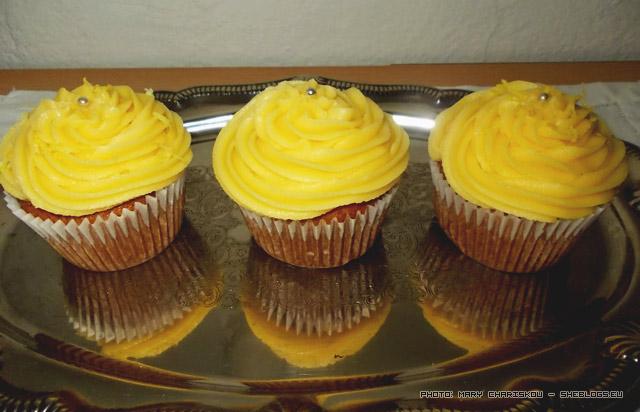 Lemon Cupcakes τα αγαπημένα! - Τα γλυκά με λεμόνι ειναι τα αγαπημένα μου και φυσικά τα cupcakes με λεμόνι δε θα μπορούσαν να αποτελούν εξαίρεση στον κανόνα
