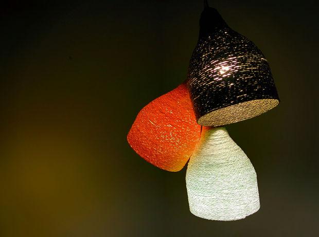Φτιάξε φωτιστικό από χάρτινο σχοινί - Μια όμορφη κατασκευή φωτιστικού με τη βοήθεια πλαστικών μπουκαλιών και χάρτινου σχοινιού