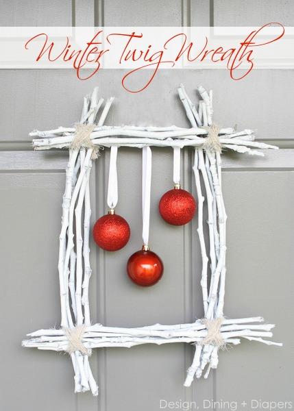 Φτιάξε Χριστουγεννιάτικο Στεφάνι για την πόρτα - Οκ ξέρω! τα στεφάνια είναι στρόγγυλα! Αν τα βαρέθηκες όμως μπορείς να φτιάξεις ένα πρωτότυπο τετράγωνο στεφάνι που θα ξεχωρίζει