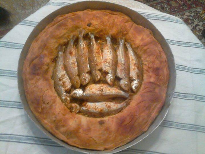 Τσιρονόπιττα - Μια πίτα από το Λαγκαδά εντελώς διαφορετική από τις υπόλοιπες που ξεχωρίζει γιατί μπλέκει ψάρι πράσο και τυρί