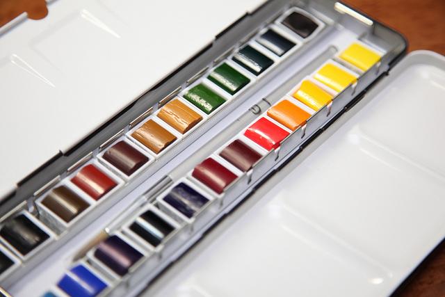 Winsor&Newton artist και student ποιότητα - Σου έχει τύχει την ώρα που κρατάς ένα κουτί με χρώματα ζωγραφικής στο χέρι να σου λέει ο υπάλληλος πως είναι τα κορυφαία χρώματα της καλύτερης ποιότητας και να σου έρχεται να τον κοπανήσεις στο κεφάλι με το κουτί για να σταματήσει να λέει βλακείες; ε αυτό!