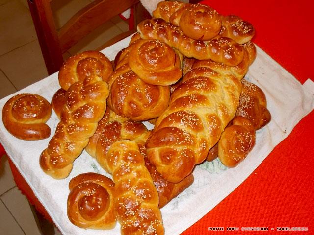 Συνταγή για τσουρέκια από τους Μύλους Αγ.Γεωργίου - Συνταγές για τσουρέκια έχουμε πολλές στο SheBlogs, φέτος δοκίμασα μια ακόμη για τα Πασχαλινά τσουρέκια μου