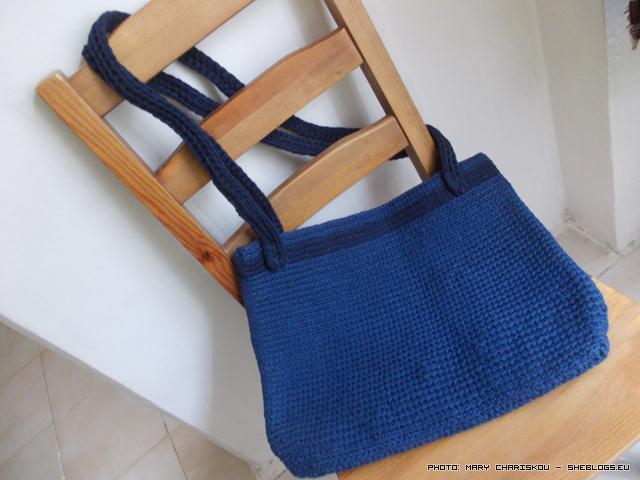 Χειροποίητη πλεκτή τσάντα από μακό φάσα - Μπορεί να φαίνεται καινούργια η πλεκτή τσάντα μου αλλά δεν είναι! Όταν σκαλίζεις μπαούλα και αποθήκες βρίσκεις ξαφνικά παλιά crafts που έκανες και ξέχασες.