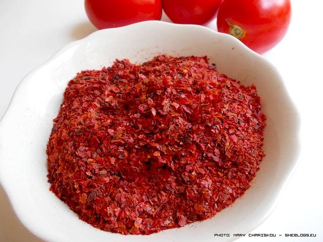 Δείτε τι μπορείτε να κάνετε με τις φλούδες όταν κάνετε σάλτσα ντομάτας