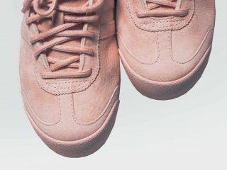Λατρεμένα ροζ παπούτσια παντού γύρω μας