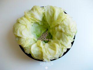 Διατηρούμε λάχανο για λαχανοντολμάδες στην κατάψυξη